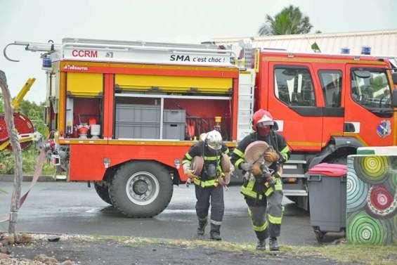 Une dizaine de futurs sapeurs-pompiers  à l'épreuve du feu au RSMA