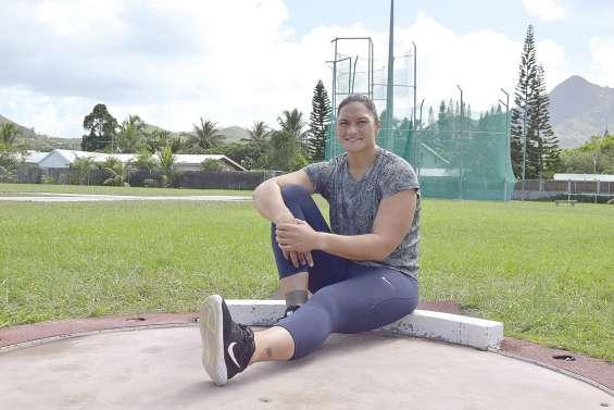 La triple médaillée olympique kiwie Valerie Adams à la Coupe des lancers
