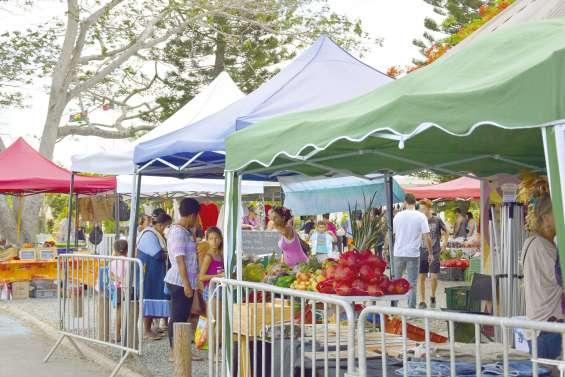Deux marchés consacrés à la fête des Mères