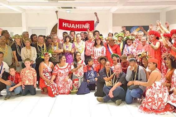 La communauté de Huahine en visite à Boulouparis
