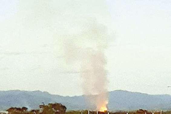 Le dépotoir de  Pouembout en proie  à un violent incendie