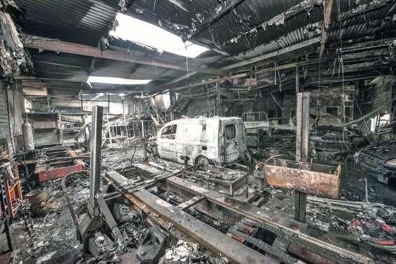 Le garage Malaval à Ducos parti en fumée