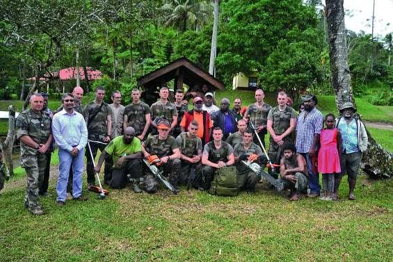 Armée et tribus unies pour l'environnement