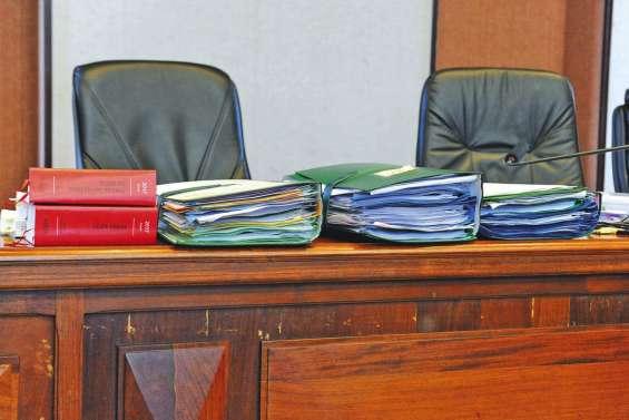 Les avocats de Seleone Tuulaki  veulent plus d'éléments pour le défendre