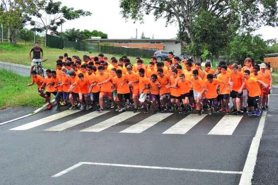 400 élèves au départ  du cross de Païamboué