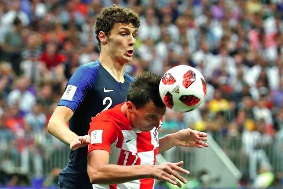 Giroud premier défenseur, la charnière Varane-Umtiti a tenu bon