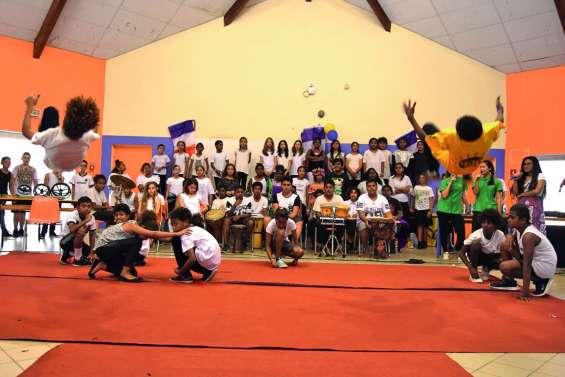 Les collégiens de Francis-Carco fêtent  la citoyenneté en musique