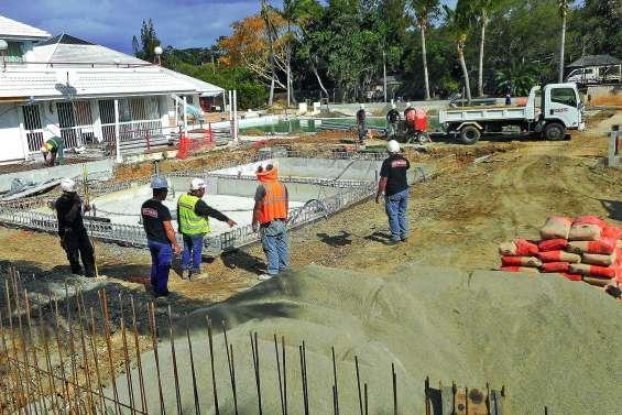 La piscine en travaux rouvrira à la fin de l'année