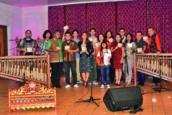 La jeunesse indonésienne relaye la tradition
