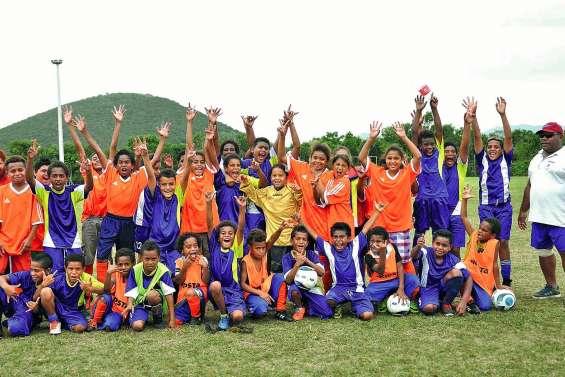 Cinquante jeunes footballeurs ont chaussé les crampons