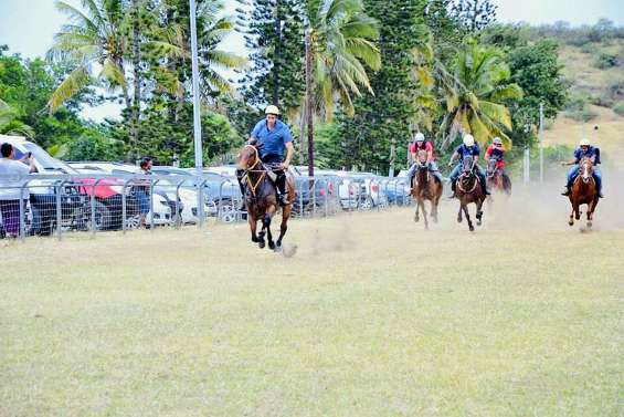 Les cavaliers se sont échauffés avant les foires