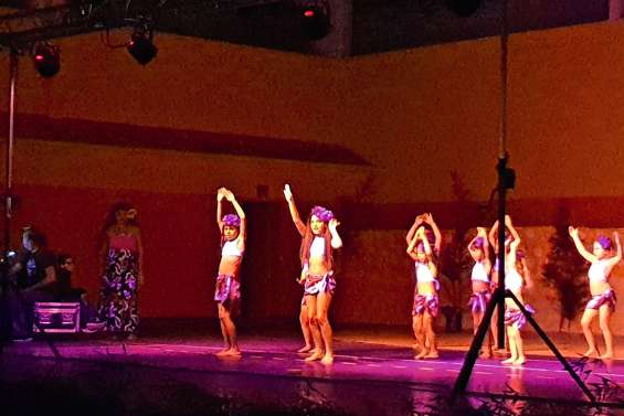 Te Ori Nui présente son tamure marathon