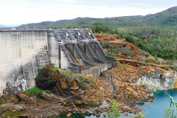 Dans le ventre du barrage hydroélectrique de Yaté