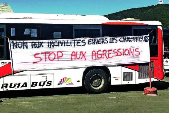 Un débrayage de deux heures à Karuïa Bus pour dénoncer les agressions