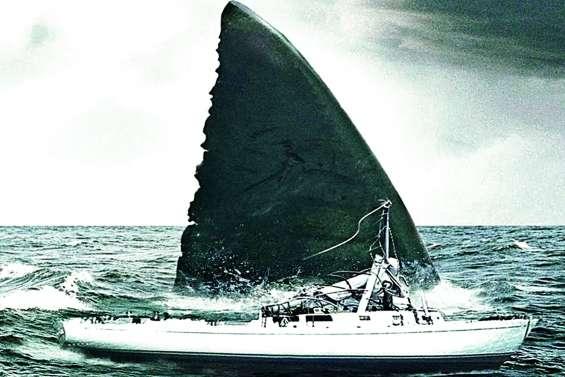 Meg, le requin préhistorique toutes dents dehors