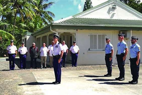 Une stèle en l'honneur de gendarmes morts en service commandé