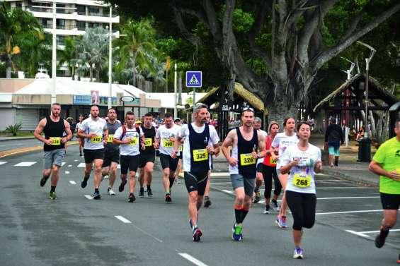 Dernière ligne droite avant  le marathon de Nouméa
