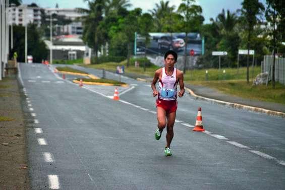 Sous la pluie, Yuki Kawauchi écrase  le Marathon de Calédonie