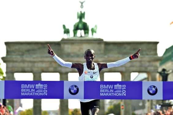 Kipchoge bat le record du marathon à Berlin