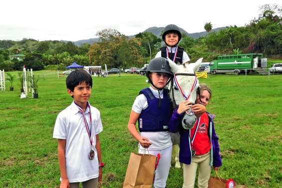 Les petits cavaliers ont reçu leurs titres de champions