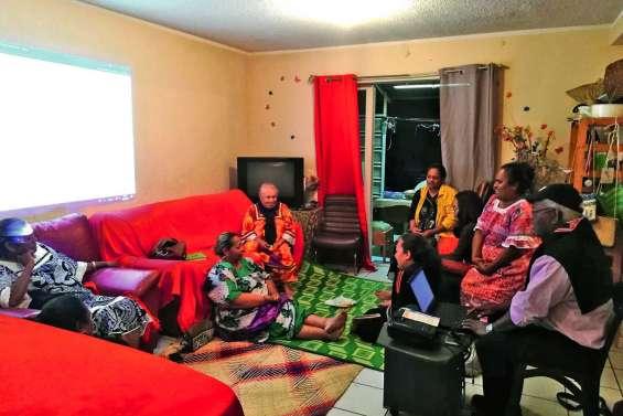 Des mamans de Tiga  en partance pour Fidji