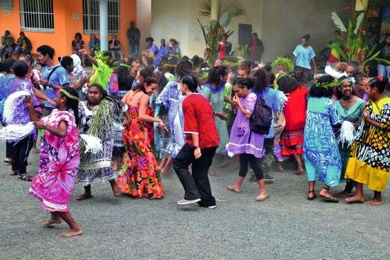 Une journée mélanésienne a fédéré le lycée Antoine-Kéla