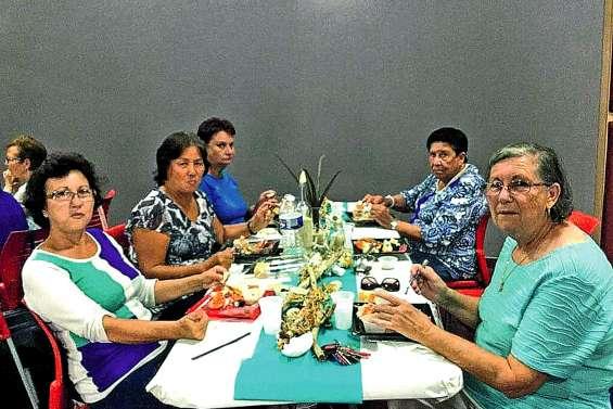 La vie en bleu pour les seniors de l'association l'Age d'or
