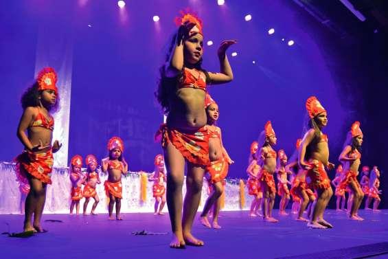 Passionnées de danse au centre culturel