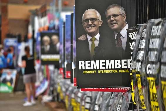 En échec dans les urnes, le gouvernement perd la majorité