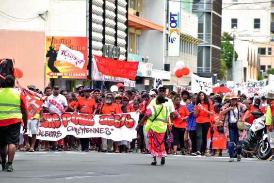 La « marche pour Jésus » mobilise 600 personnes