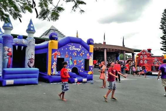 Des enfants gonflés à bloc à la mairie