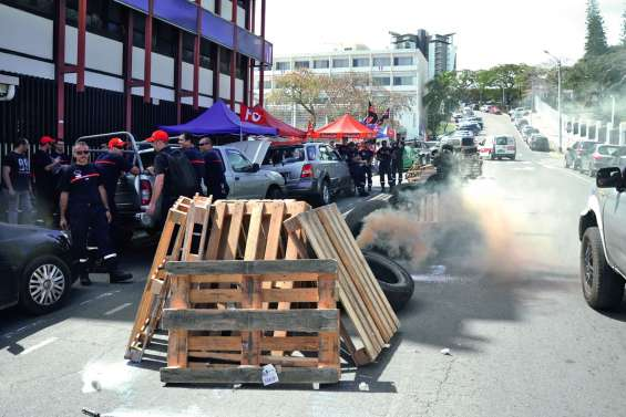 La grève des pompiers reconduite aujourd'hui