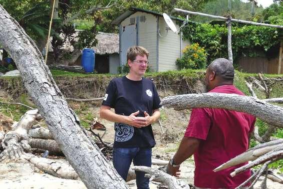 Le directeur de WWF France en visite sur le Caillou