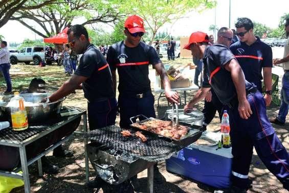 Les pompiers suspendent  la grève, le dialogue reprend