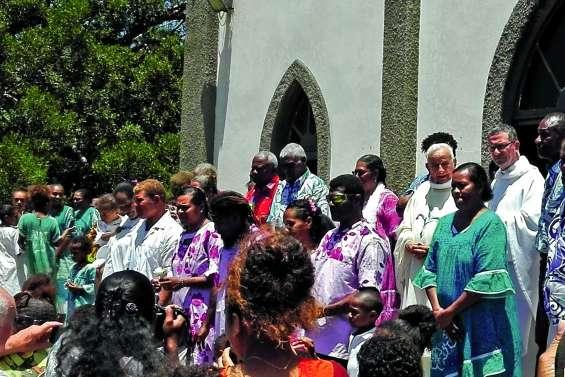 L'engagement du père Gidrol célébré en grande pompe