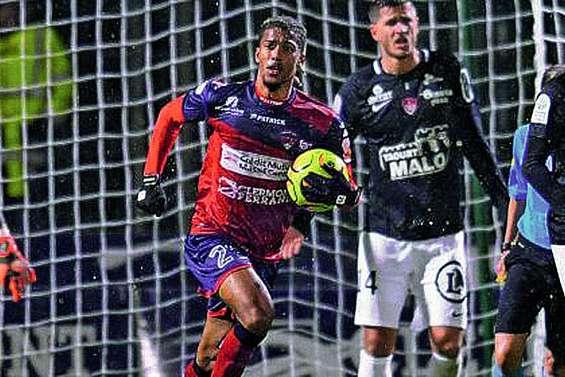 Brest laisse passer  sa chance à Clermont