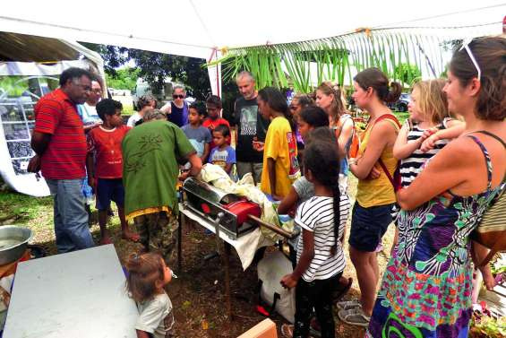 Un grand marché bio à Waihemene