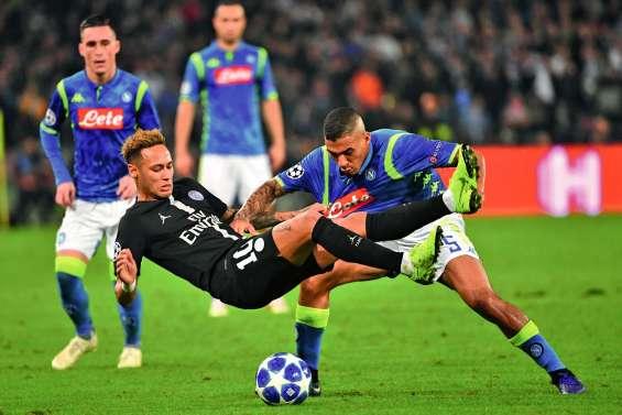 Paris manque l'exploit à Naples mais sauve ses chances de qualification