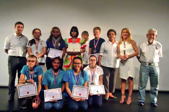 Onze élèves distingués pour leur engagement