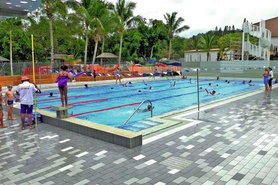 La piscine fermée  jusqu'à nouvel ordre