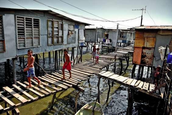 « On va devenir riches avec l'Apec ? » : les Papous perplexes avant le sommet