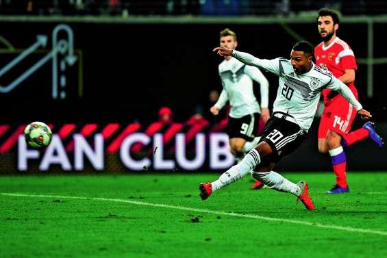 Une Allemagne rajeunie balaye la Russie