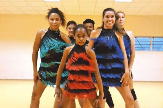 Tour du monde en musique avec Pacifique Accor'danse