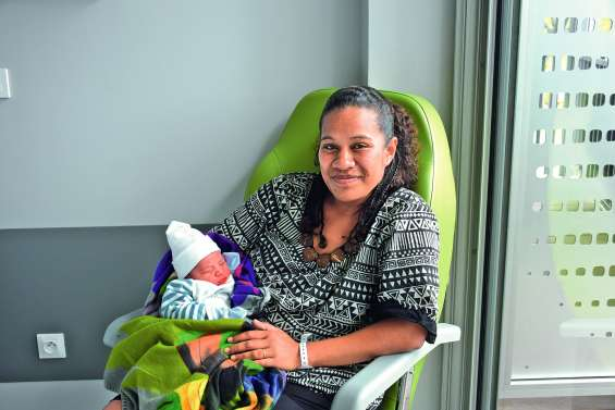 Maëlik, 3,8 kilos, inaugure l'hôpital de Koné