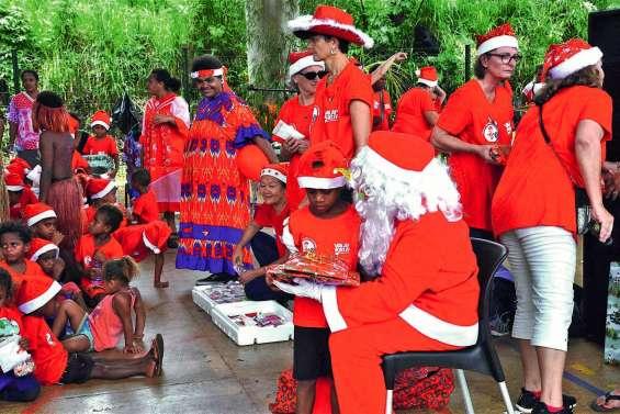 Les enfants de Bélep ont fêté Noël en avance