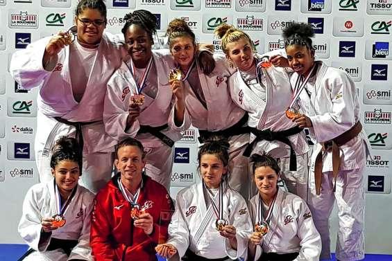 Jaycee Brival sacrée championne de France par équipes cadettes