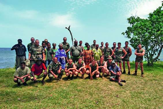 Un coup de main des militaires à Goro