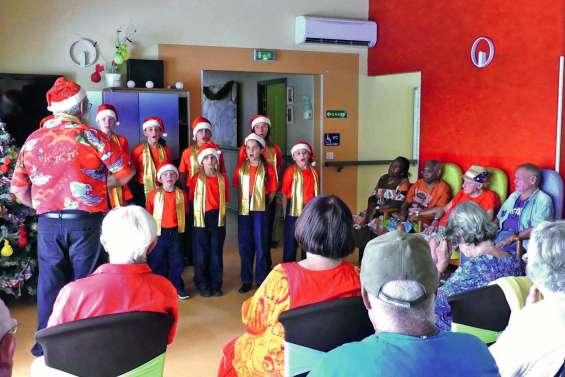 Des chants de Noël à la maison Gabriella