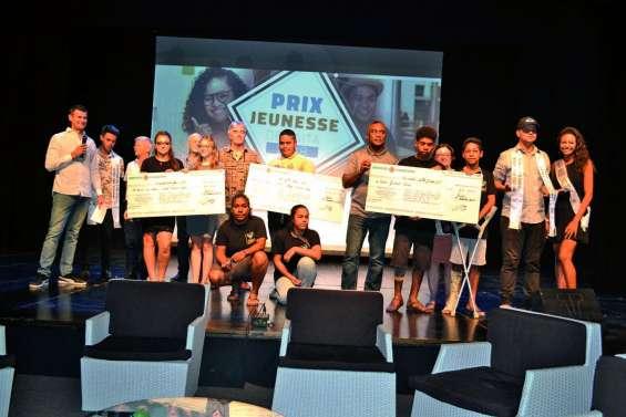 Trois projets récompensés au premier Prix Jeunesse de Païta