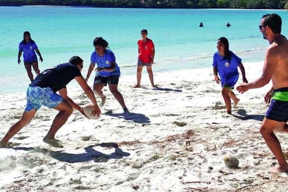 La saison de rugby se termine à la plage